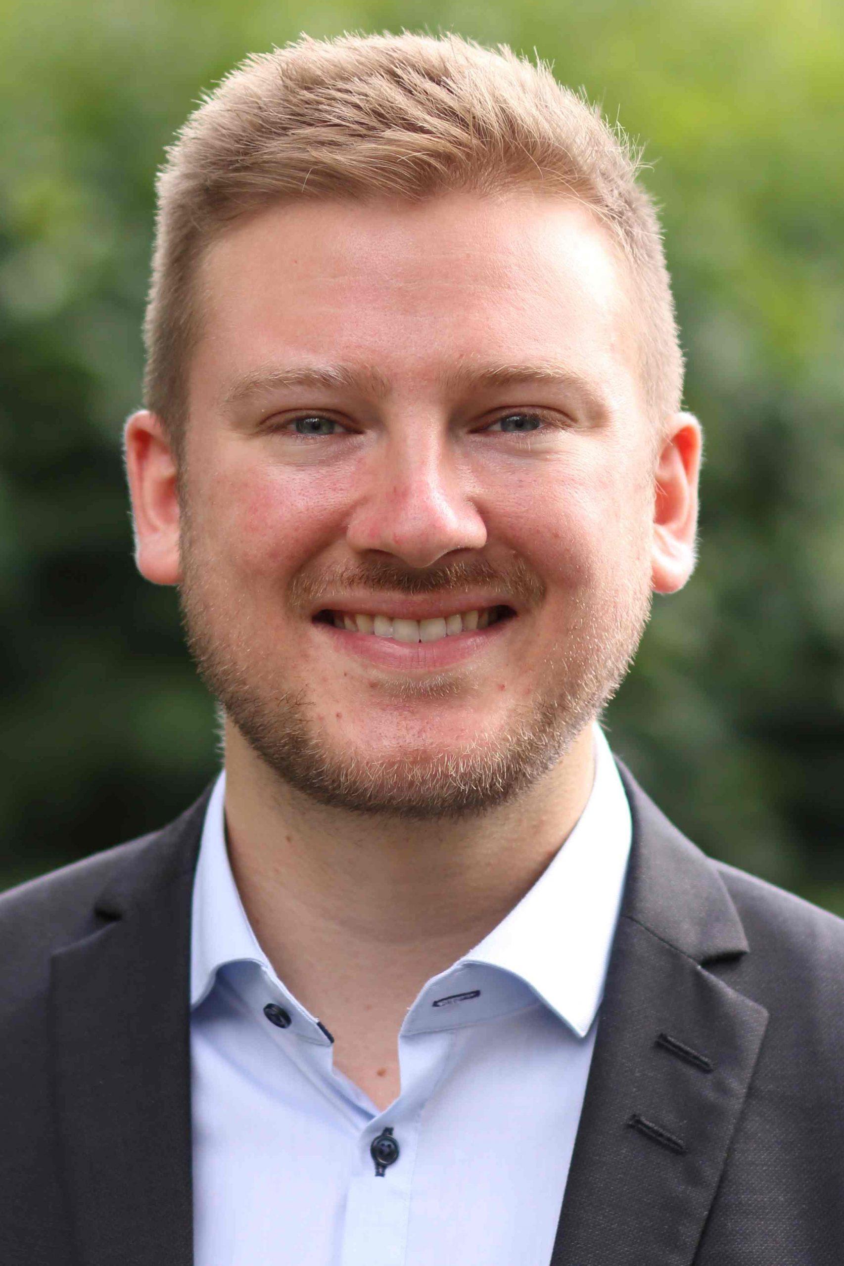 Vikar Daniel Storb
